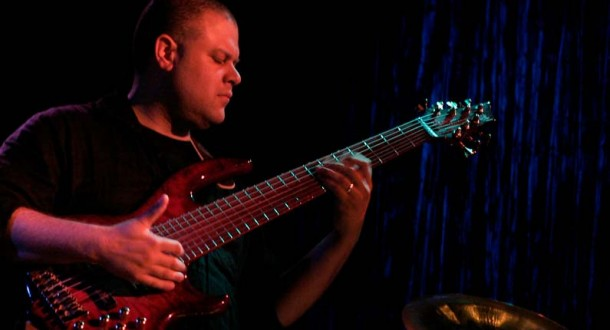 Jonathan Thomas – Bass Guitar